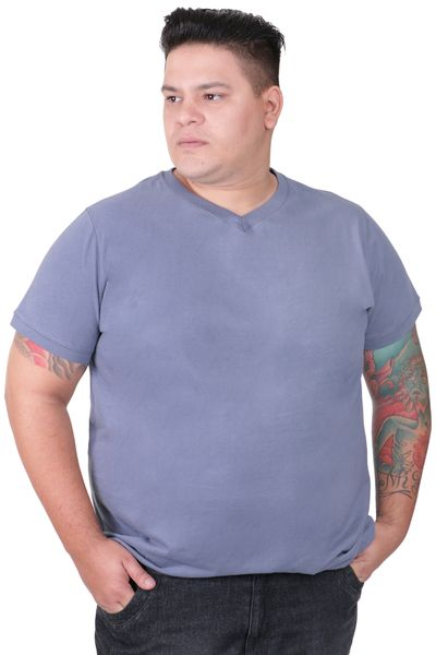 CAMISETA-DECOTE-V-PLUS-SIZE_0003_1