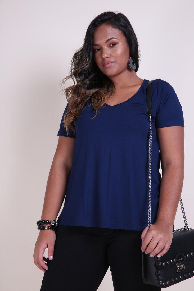 T-shirt-decote-v-plus-size