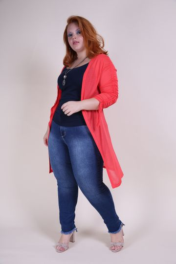 Cardigan-alongado-plus-size-de-malha