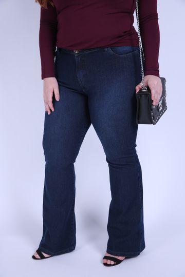 Flare-jeans-elastano-bordado-bolso-plus-size