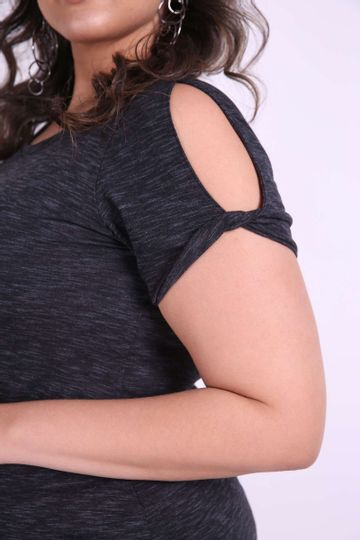 T-shirt-com-no-na-manga-plus-size