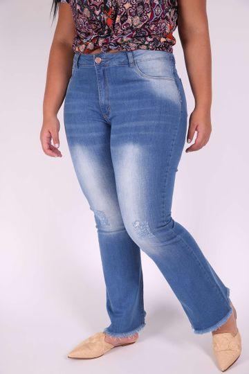 Flare-jeans-elastano-barra-desfiada