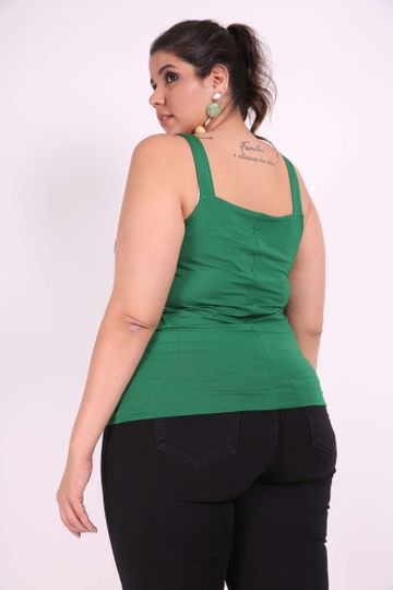 Regata-botoes-plus-size