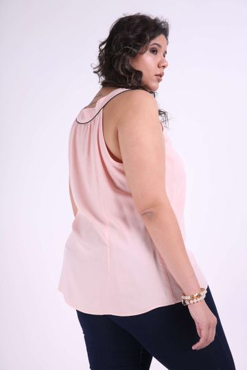 Regata-laco-no-decote-plus-size