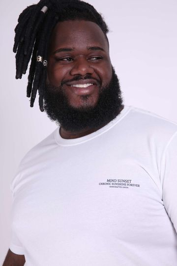 Camiseta-estampa-frente-e-costas-plus-size