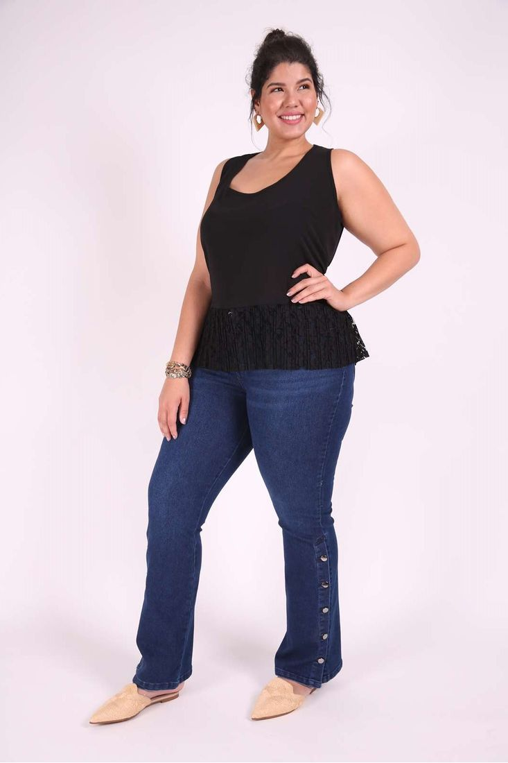 Regata-com-renda-plissada-plus-size