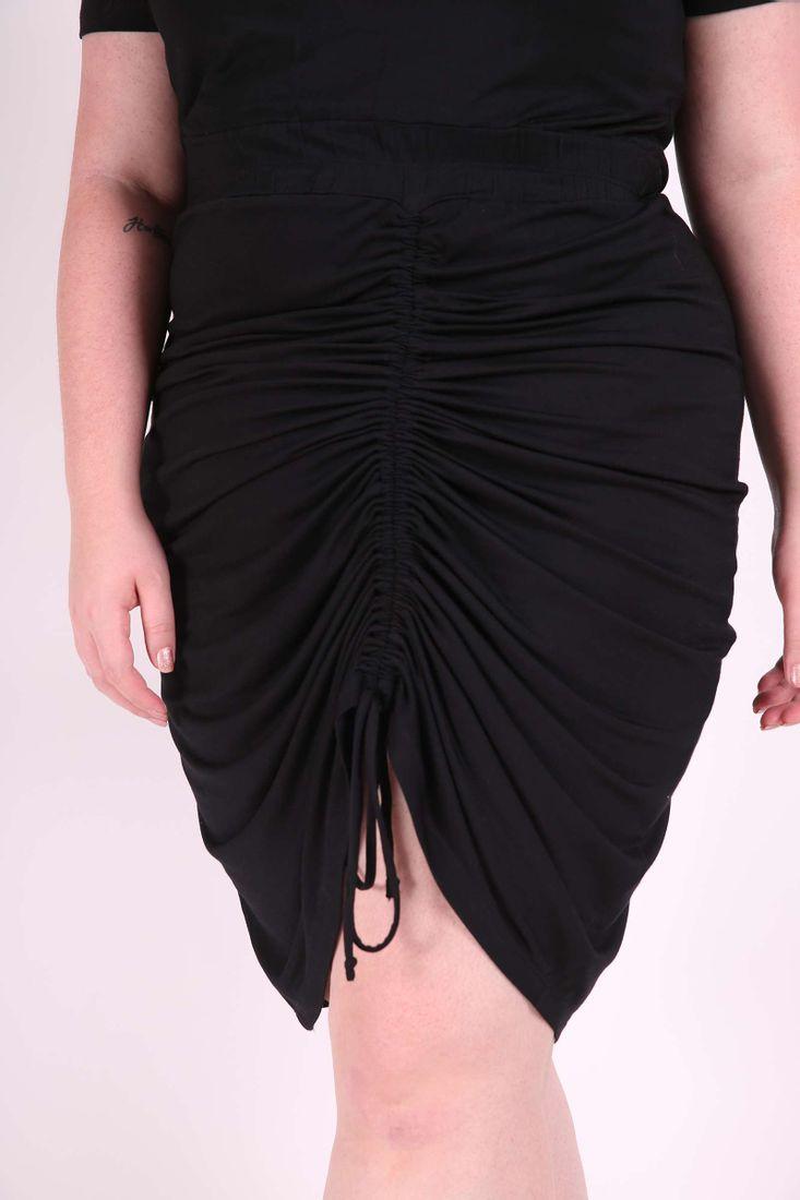 Vestido-curto-franzido-plus-size