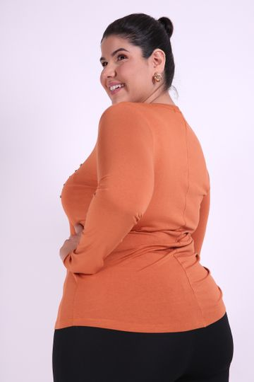 Blusa-com-silk-e-bordada-plus-Size_0010_3