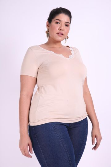 Blusa-com-renda-decote-plus-size_0008_1