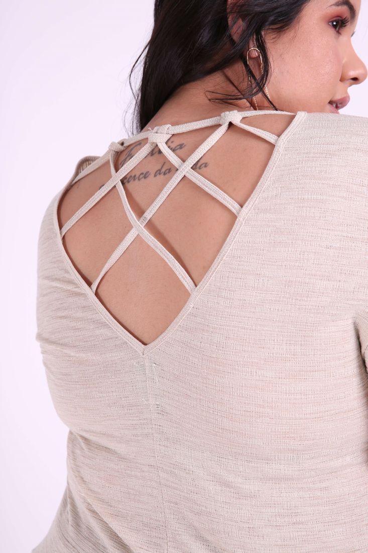 Blusa-manga-curta-trancados-costas-plus-size