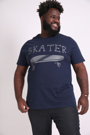 Camiseta-estampa-skater-plus-size