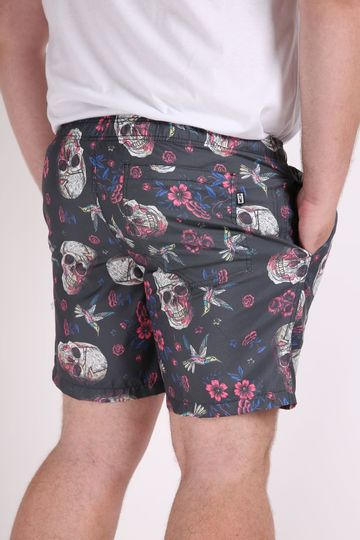 Short-tactel-estampa-caveira-plus-size