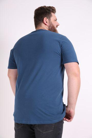 Camiseta-estampa-fone-plus-size