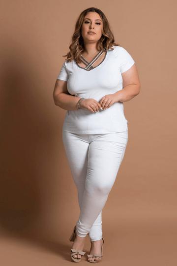 Blusa-decote-v-com-bordado-plus-size