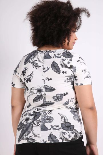 Blusa-decote-princesa-plus-size
