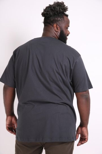 Camiseta-estampa-tenis-plus-size