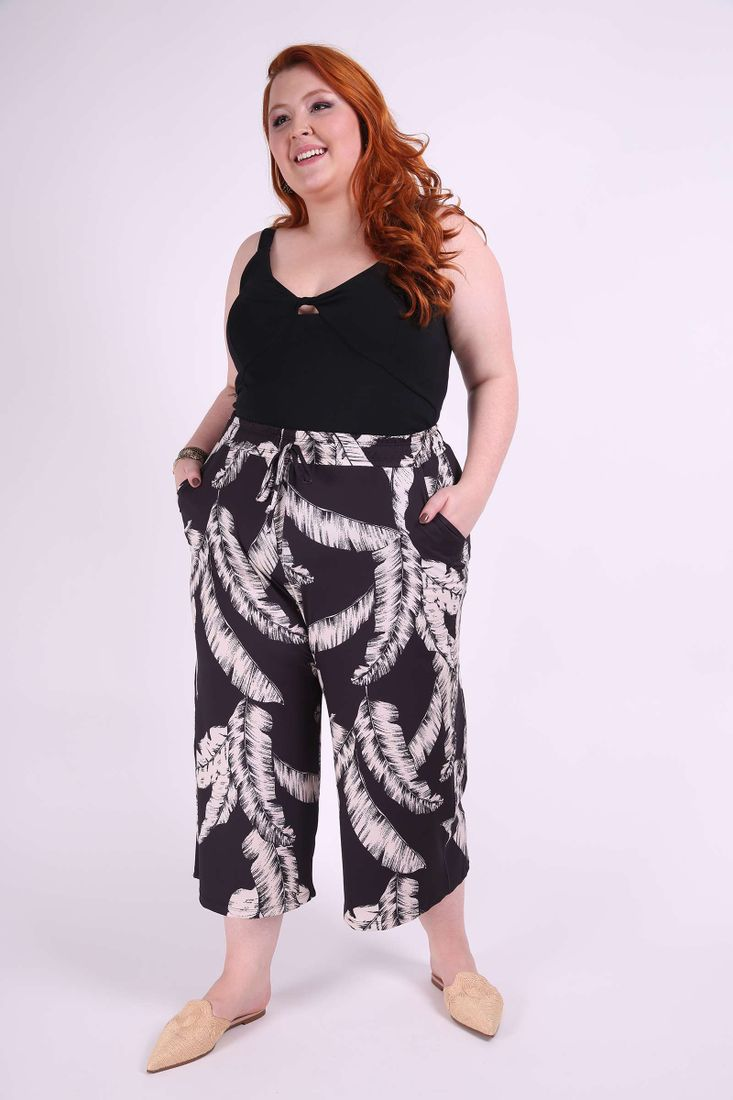 Calca-Pantacourt-Estampada-Feminina-Plus-Size_0008_2