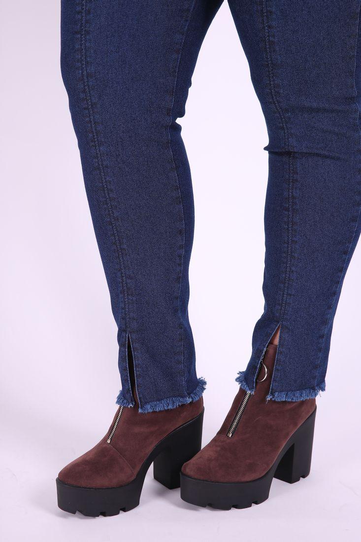 Calca-Jeans-Skinny-com-abertura-na-barra-plus-size_0102_3