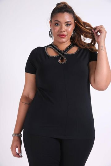 Blusa-com-bordado-no-decote-plus-size_0026_1