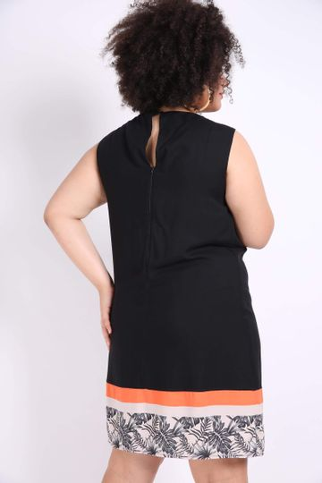 Vestido-com-Barrado-Estampado-Plus-Size_0026_3