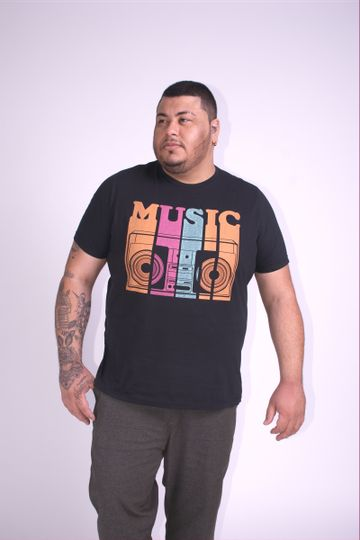 Camiseta-estampa-music-plus-size