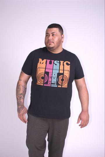 Camiseta-estampa-music-plus-size