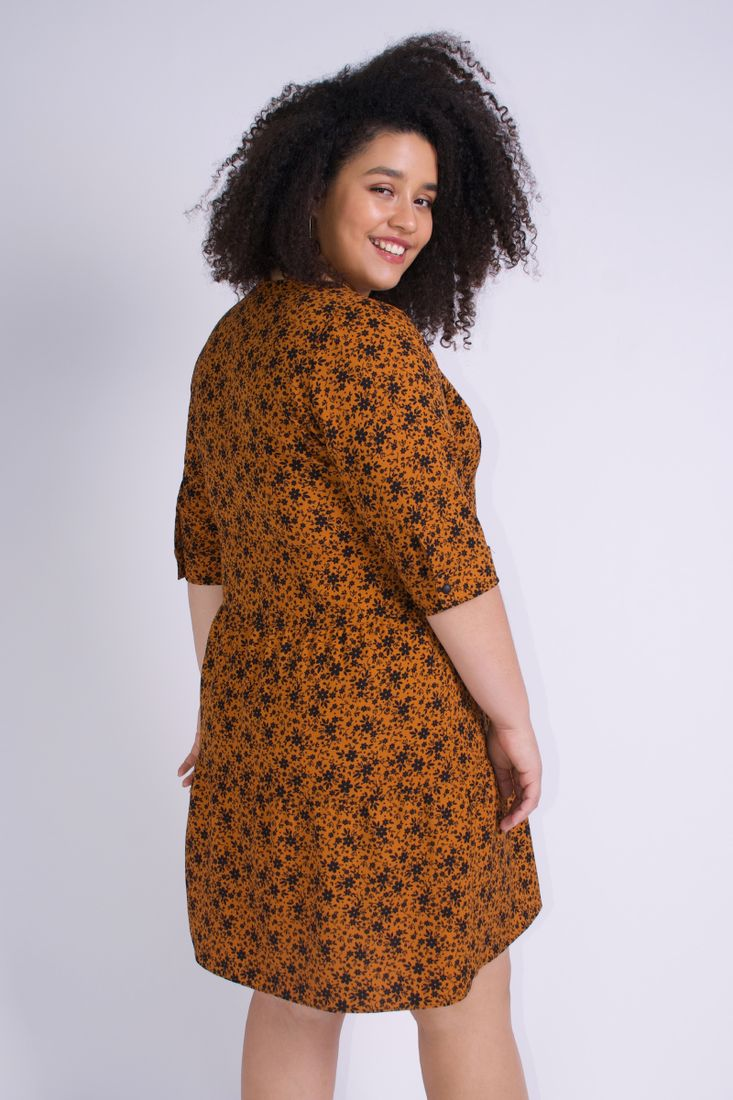 Vestido-mini-floral-plus-size