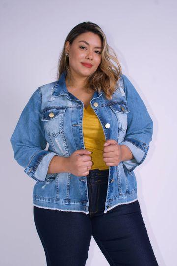 Jaqueta-jeans-com-rasgos-plus-size