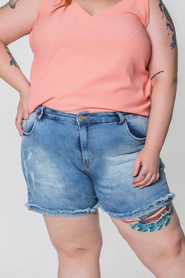 Short-jeans-barra-desfiada-plus-size