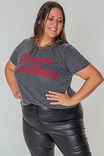 T-shirt-good-vibes-plus-size_0026_1