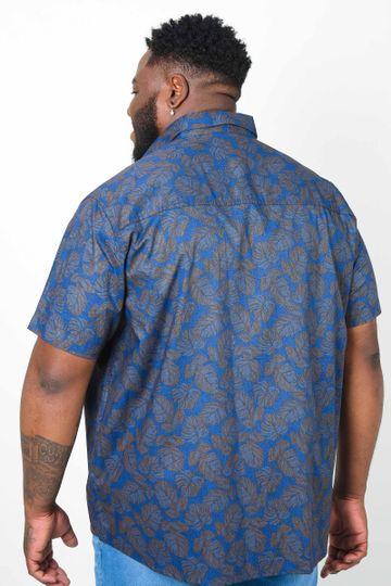 Camisa-estampada-folhagem-plus-size_0004_3