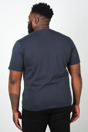 Camiseta-estampa-localizada-don-t-stop-plus-size_0012_3