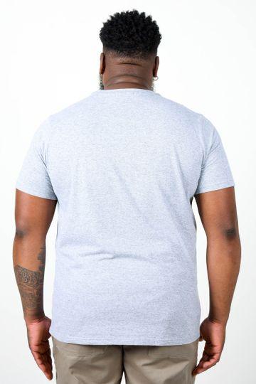 Camiseta-com-recorte-e-estampa-plus-size_0011_3