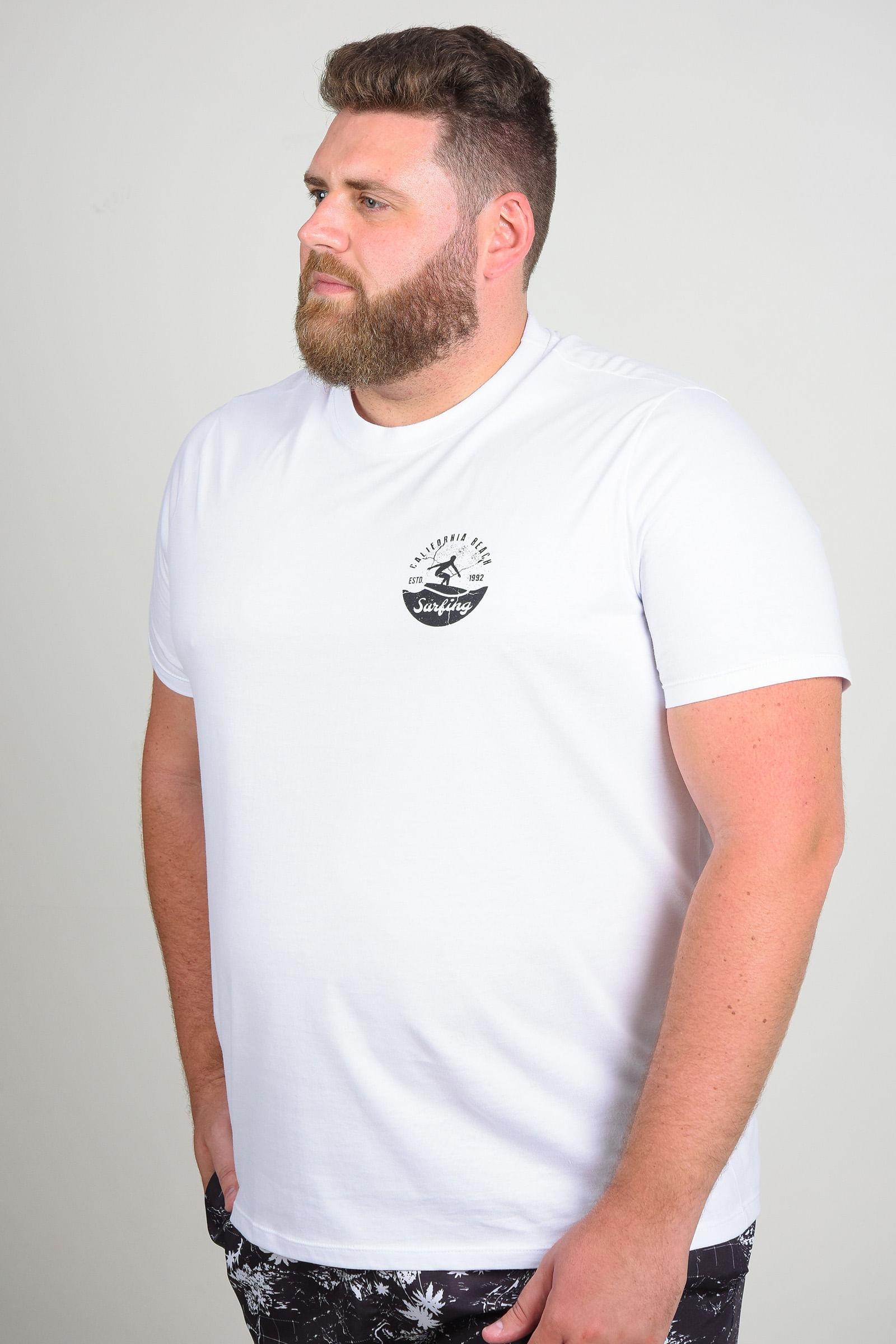 Camiseta com estampa surf plus size branco
